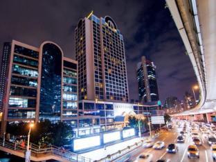 /fi-fi/hotel-equatorial-shanghai/hotel/shanghai-cn.html?asq=m%2fbyhfkMbKpCH%2fFCE136qTaJ3qItcRcv%2bK%2flA%2bH%2bNYHIyaCKLx9%2bFHQRaBrPitxP