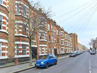 Veeve  1 Bed 1 Bath Flat On Wyfold Road Fulham