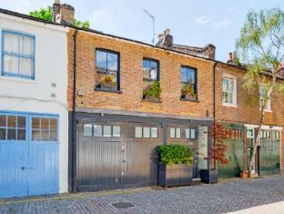 Veeve  Beautiful Kensington Mews House Russell Gardens Mews