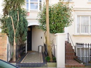 Veeve  Light And Open 2 Bed House Moore Park Road Fulham