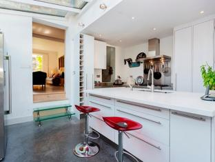 Veeve  3 Bedroom Kensington Masbro Road