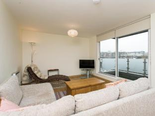 Veeve  Smart 2 Bed 2 Bath Flat On Grosvenor Court East Putney