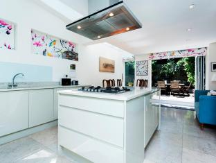 Veeve  2 Bed House Dymock Street Fulham