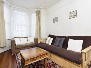 Veeve  1 Bed Garden Flat Bloom Park Road Fulham