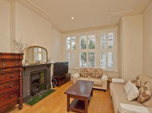 Veeve  Spacious 4 Bed Off Wandsworth Common Sleeps 7