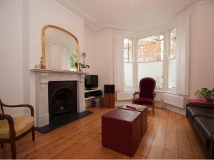 Veeve  4 Bed Family House Yerbury Road Tufnell Park Islington