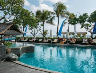 Grand Balisani Suites Hotel Bali - Swimming Pool