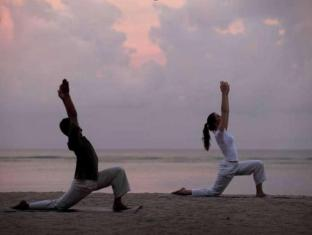 Griya Santrian a Beach Resort Bali - Yoga Activities