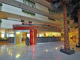 Kuta Paradiso Hotel Bali - Lobby area facing to the el patio restaurant