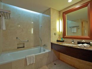 Kuta Paradiso Hotel Bali - Bathroom