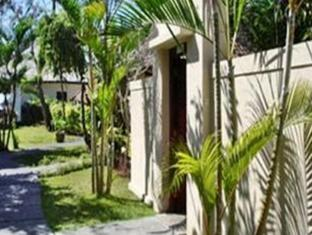 The Benoa Beach Front Villas Bali - Tuin