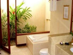 The Benoa Beach Front Villas Bali - Baño
