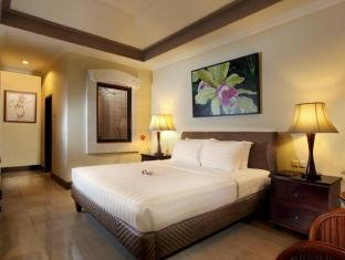 Puri Santrian Beach Resort & Spa Bali - Guest Room