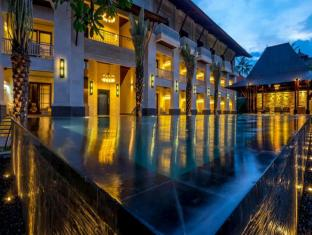 Puri Santrian Beach Resort & Spa Bali - Exterior