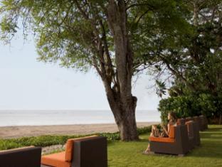 Hotel Santika Premiere Beach Resort Bali - Sands & Wine Cellar
