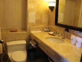 이나 그랜드 발리 비치 호텔  발리 - 화장실