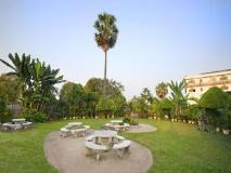 Mercure Vientiane Hotel: garden