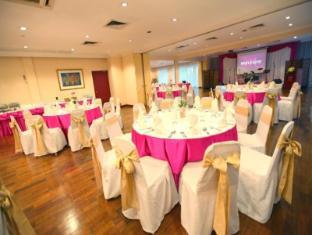 Mercure Vientiane Hotel Vientiane - Round Table