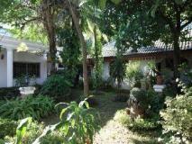 Vansana Hotel Ban Phonthan: garden