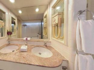Hotel Istana Kuala Lumpur City Center Kuala Lumpur - Bathroom