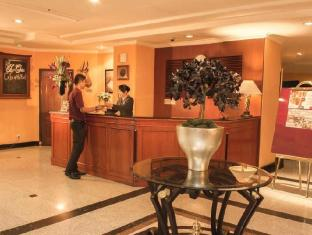 Travellers Suites Serviced Apartments Medan - Recepção