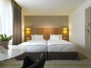Federal Hotel Kuala Lumpur - Merdeka Wing room (New room)