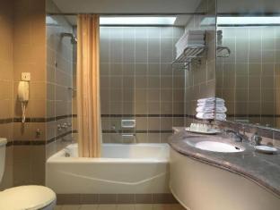 Federal Hotel Kuala Lumpur - Bathroom