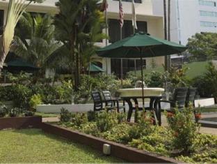 Federal Hotel Kuala Lumpur - Garden