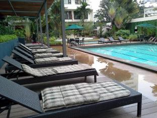 Federal Hotel Kuala Lumpur - Swimming Pool