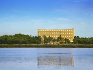 /the-gateway-hotel-athwalines/hotel/surat-in.html?asq=jGXBHFvRg5Z51Emf%2fbXG4w%3d%3d