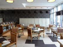 Oaks Liwa Executive Suites: coffee shop/cafe
