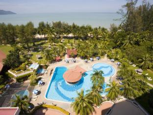 Bayview Beach Resort Penang - Main Pool & Garden