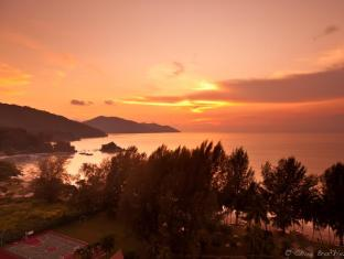 Bayview Beach Resort Penang - Sunset View