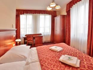 布拉格阿爾卡達酒店