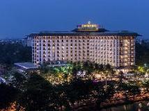 Chatrium Hotel Royal Lake Yangon: hotel main photo