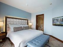 Chatrium Hotel Royal Lake Yangon: guest room
