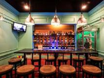 Chatrium Hotel Royal Lake Yangon: pub/lounge