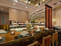 Chatrium Hotel Royal Lake Yangon: interior