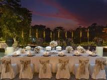 Chatrium Hotel Royal Lake Yangon: balcony/terrace