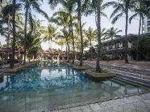 Chatrium Hotel Royal Lake Yangon: swimming pool