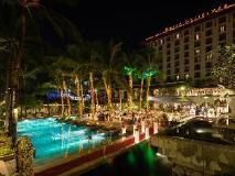 Chatrium Hotel Royal Lake Yangon: exterior