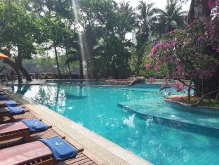 /kandawgyi-palace-hotel/hotel/yangon-mm.html?asq=m%2fbyhfkMbKpCH%2fFCE136qZ4f4ehDqxm6SvkIGcnZY7oIrWKRI8w84ilnQgR8GnXI