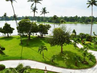 Inya Lake Hotel Yangon - View