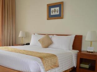 Inya Lake Hotel Yangon - Guest Room