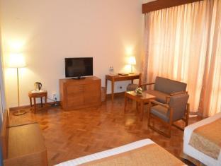 Inya Lake Hotel Yangon - Deluxe Twin