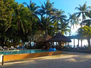 Sea Wind Resort Boracay Island - Swimming Pool at the Beachfront Side