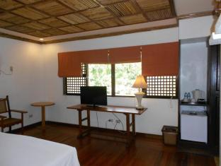 Sea Wind Resort Boracay Island - Beach Front Deluxe