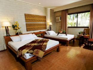 Cebu White Sands Resort and Spa Cebu - Courtyard
