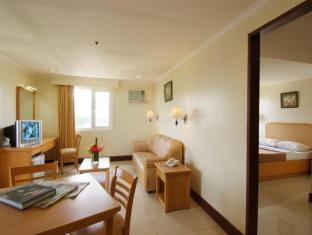 Diplomat Hotel Cebu - Guest Room