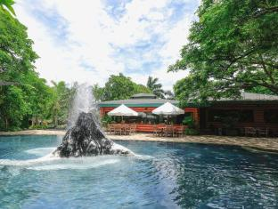 Plantation Bay Resort & Spa Cebu - Savannah Freshwater Pool